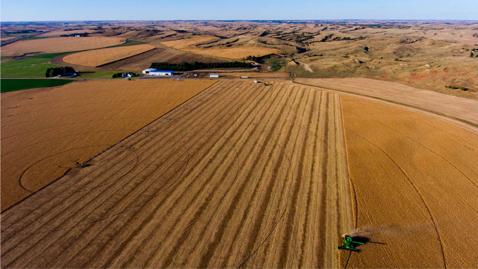 The Agricultural Land Management Quarterly webinar series debuts at 6 p.m. CST Feb. 18. Other webinar dates are May 20, Aug. 19 and Nov. 18. (Craig Chandler/University Communication)